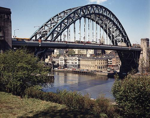 055220:Tyne Bridge.  City Engineers. c.1975