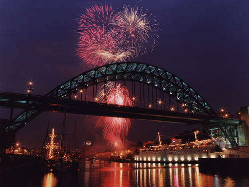 059601:Tall Ships Fireworks Display Newcastle upon Tyne City Engineers 1993
